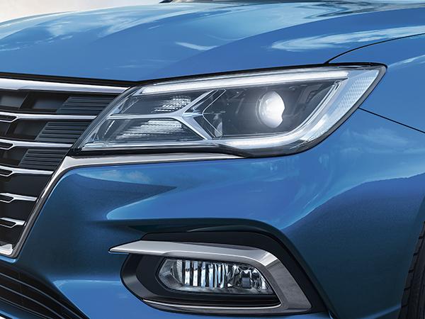 听说LED大灯造价很贵,这款轿车竟然6万起全系标配?!